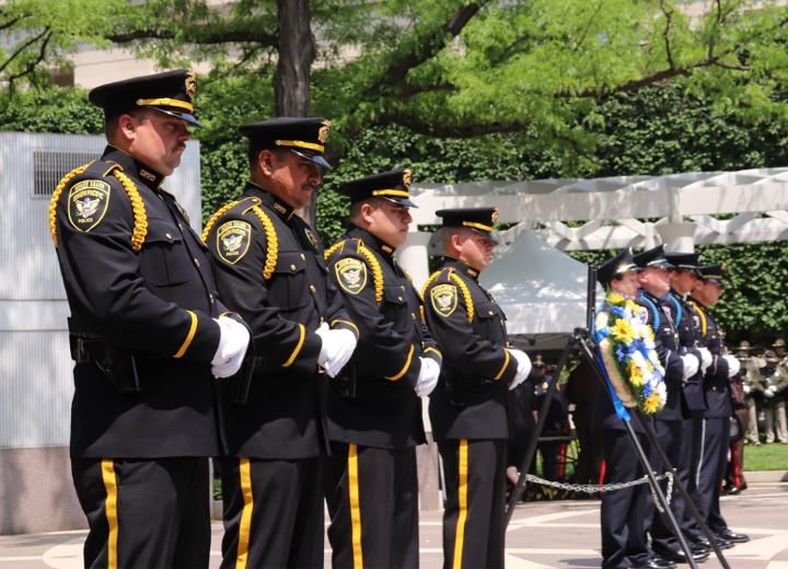 Union Pacifc's Special Agent Honor Guard members stood watch at the National Law Enforcement Offcers Memorial in Washington, D.C., as part of National Police Week