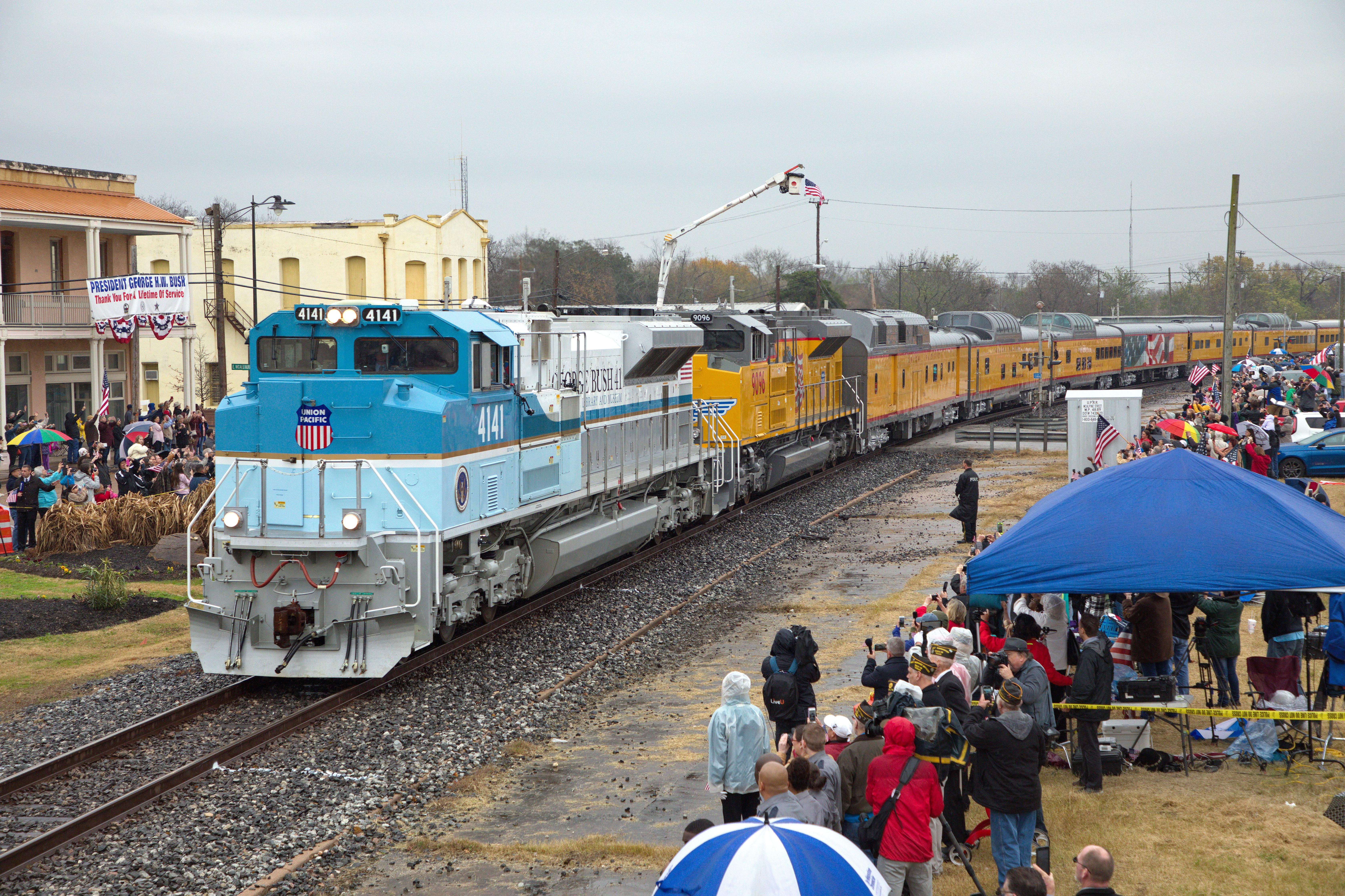 Up George H W Bush Funeral Train Image Gallery