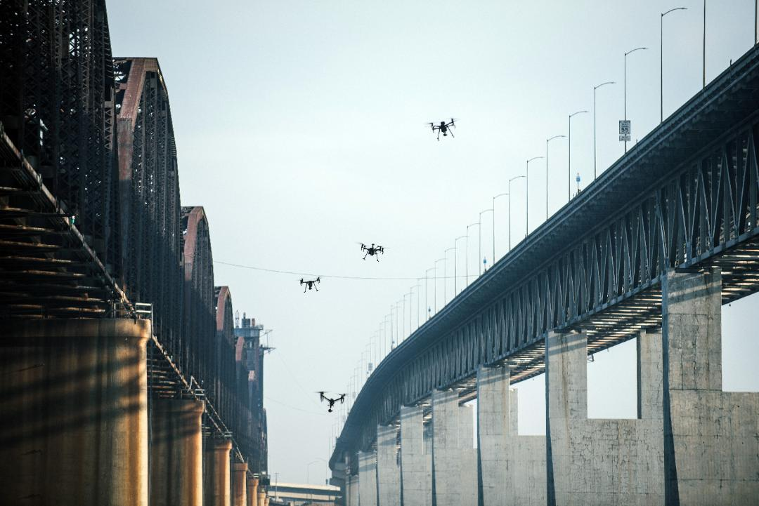 Medium Retina | Autonomous drones near Benicia-Martinez bridge in San Rafael, CA